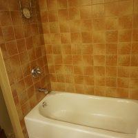2111 Feldman Ave | tiled shower/tub
